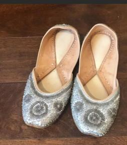 Womens Embellished Silver Sequined Flat Sz 9 shoes
